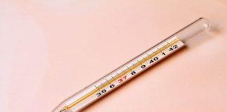 Thermomètre classique, instrument médical révolutionnaire, thermomètre connecté